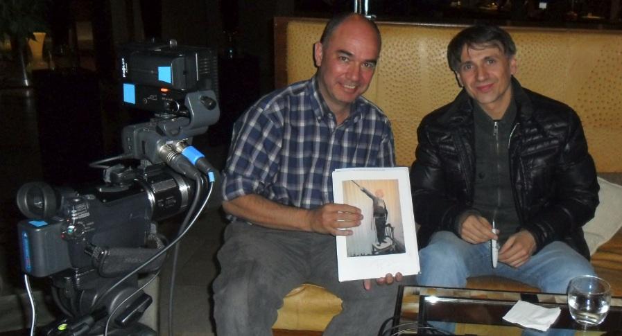 Jose Mota con Alberto Goytre y la foto del Sobrino de la Vara