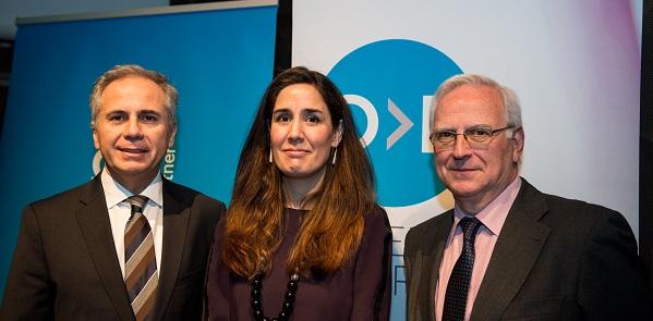 Victor Mirabet (Coleman), Estefanía Yagüez (GFK) y Víctor Conde (Asociación de Marketing de España)